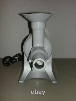 Gray Champion Juicer Model G5-NG-853S 1/3 HP Heavy Duty Masticating Juicer NICE