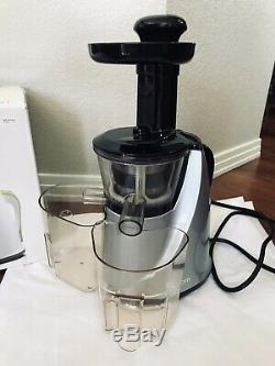 HUROM Slow Juicer HU-100 in Rare Silver/Black Excellent Rarely Used QUIET