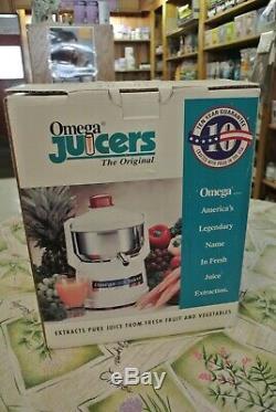 NEW Omega Juicer Model 1000 Centrifugal Fruit/Vegetable Juice Extractor