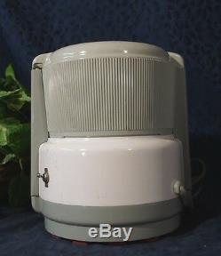 Nice White & Gray ACME SUPREME JUICERator Model 5001