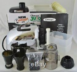OMEGA 8005 Fruit & Vegetable Juice Extractor Nutrition Center COMPLETE with BOX