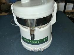 Omega Fruit & Vegetable Pulp Ejection Juicer Model 4000