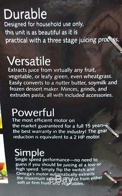 Omega Juice Extractor Fruit Vegetable Juicer Model 8006 used once to test