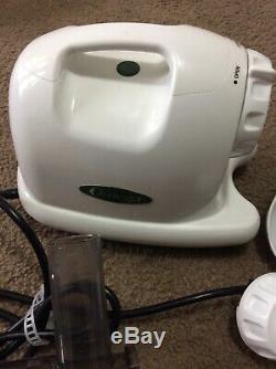 Omega Juicer 8004 White Finish Good Condition Missing Parts I624