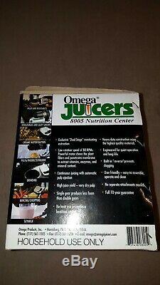 Omega Juicers 8005 Nutrition Center Vegetable Fruit Juicer Juice Extractor