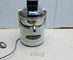 Omega OM-110 Fruit Vegetable Juice Extraction Health Drink Maker Machine Juicer