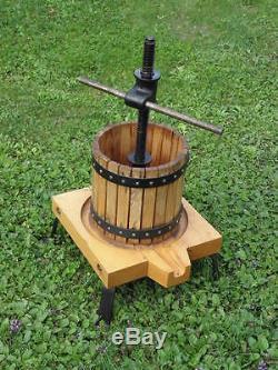 Press Wine Fruit Grape Hand Cranked Juice Press Juicer Oak & Cast Iron country