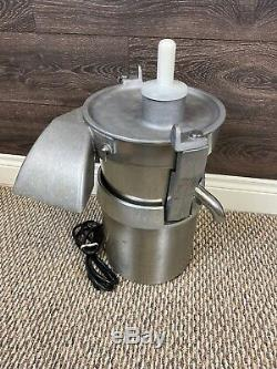 Santos Miracle Exclusives MJ800 Commercial Juice Extractor