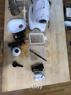 Used Omega 8004 Juicer, white, fruit and vegetable juice extractor