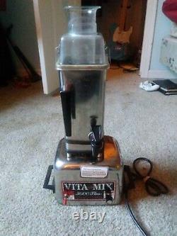 VITAMIX 3600 Plus Blender / Juicer/ Food Processor