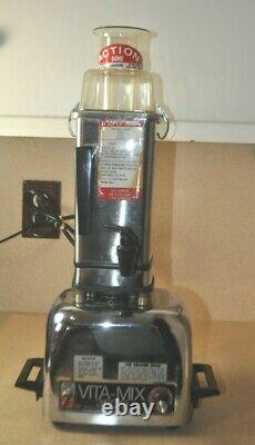 Vitamix 3600 Stainless Steel Heavy Duty Blender/Cooker/Juicer/Processor